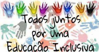 Banner digital retangular horizontal, com fundo branco, com marcas de mãos distribuídas ao longo da imagem. No centro, em letras pretas: Todos juntos por uma Educação Inclusiva.